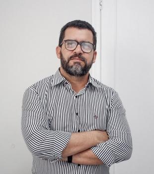 Dr. Leonardo Moreira Manhães